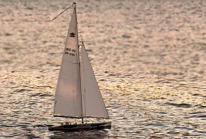 Du Thuyền Buồm