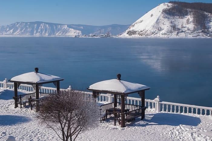 Hồ Nước Ngọt Baikal